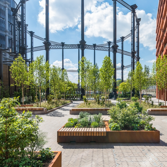 Street furniture - Tree Isle - Big Green Bench, London (UK)