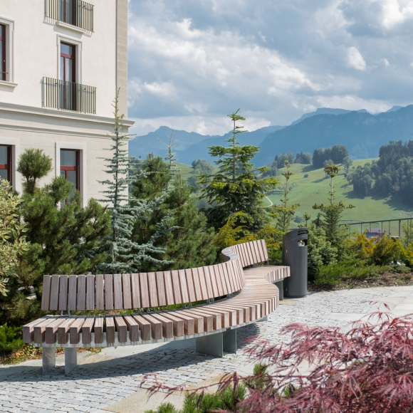 Rough&Ready Royal Curve Benches, Bürgenstock