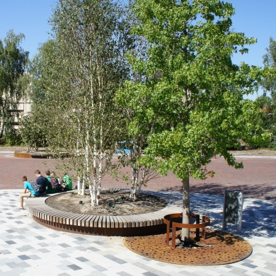 Rough&Ready Circular Tree Isles