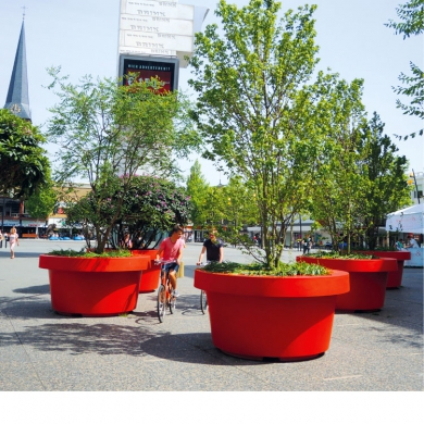 Baumkübel - Mega Blumentöpfe, Hengelo (NL)